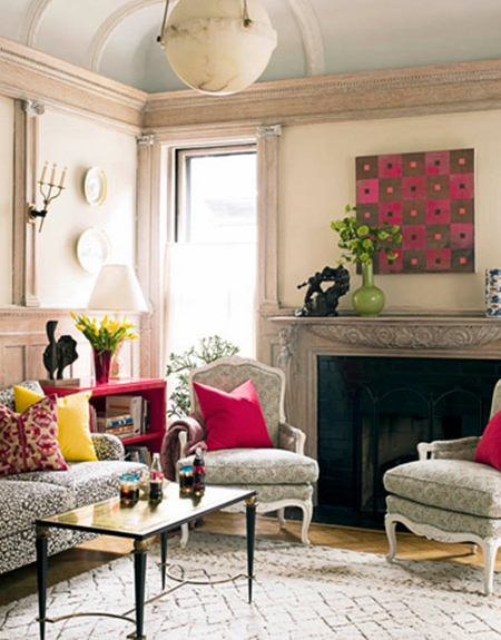Introducing modern style to traditional decor spark for Beautiful small living room design
