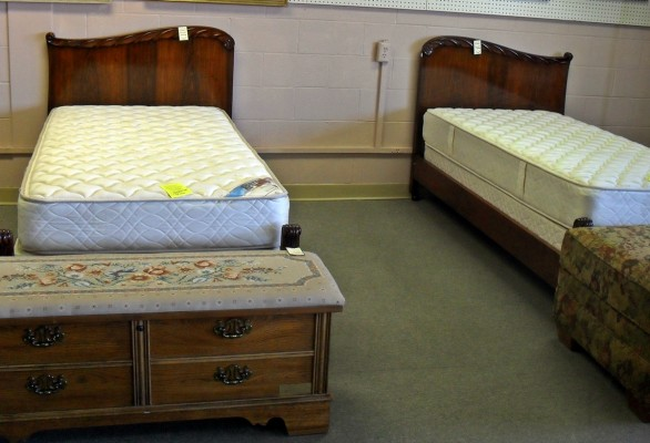 Seen Around Town: Vintage Twin Beds
